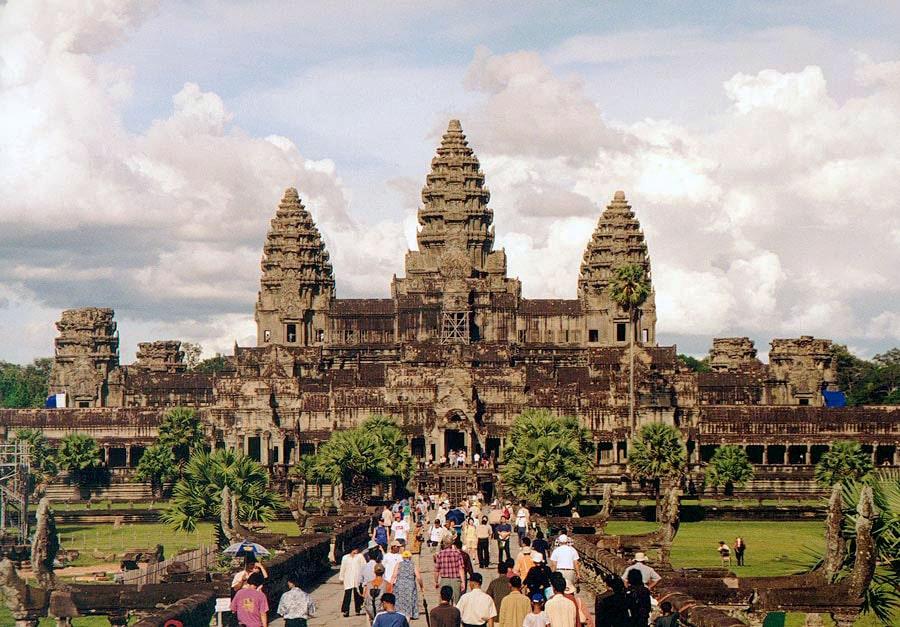 Angkor_Wat_W-Seite-min